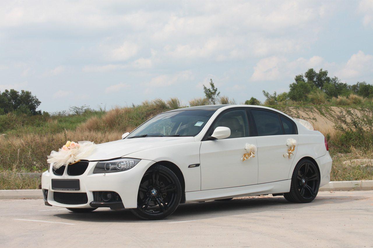 White BMW 320i