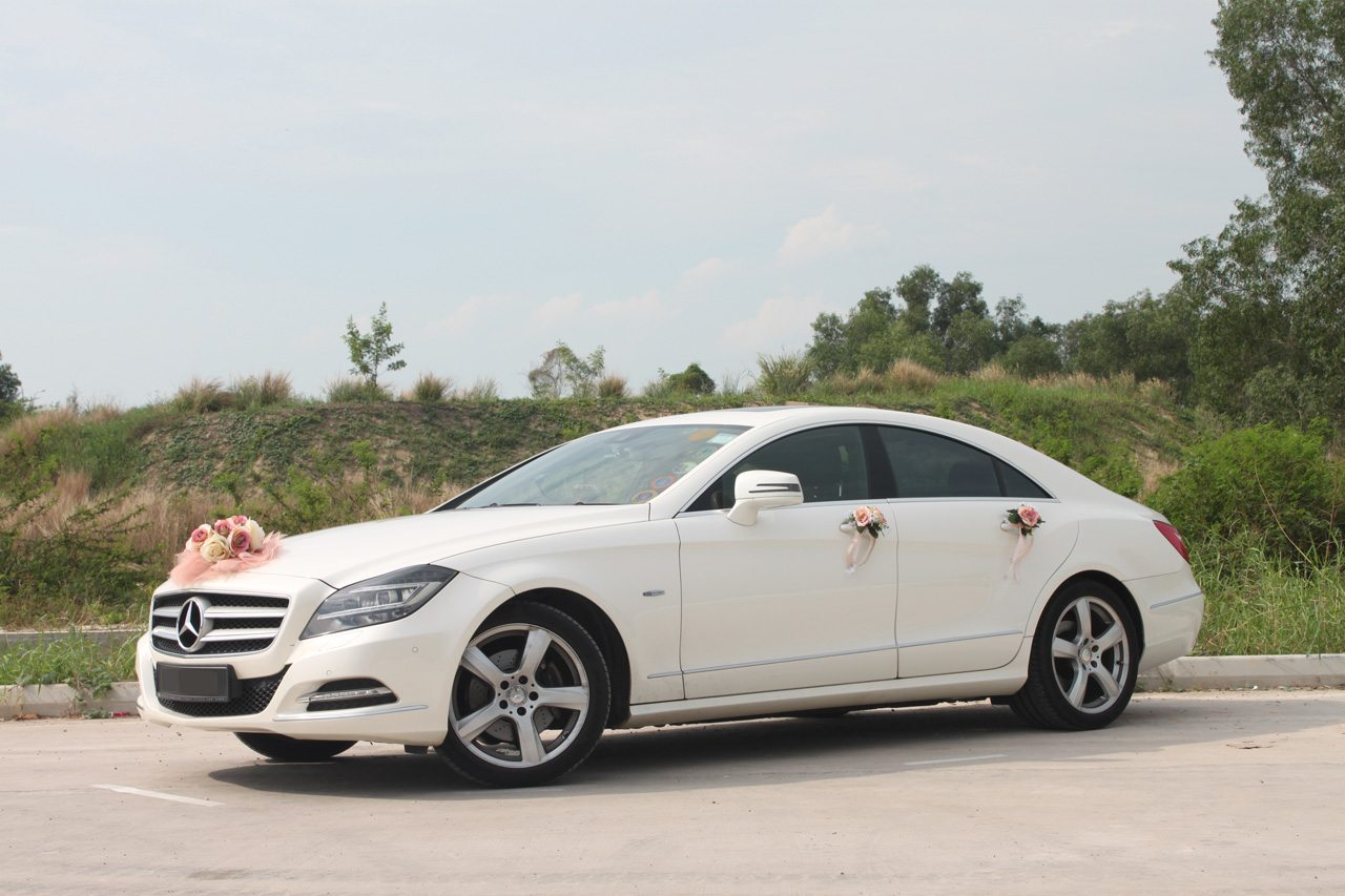 White Mercedes Cls 350 Perfect Wedding Cars Singapore
