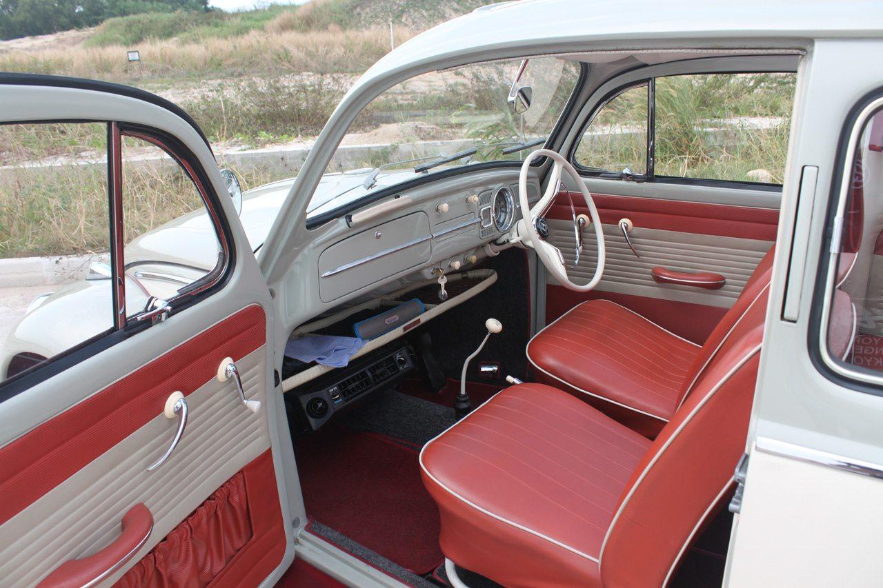 white 1964 vw beetle interior perfect wedding cars singapore. Black Bedroom Furniture Sets. Home Design Ideas